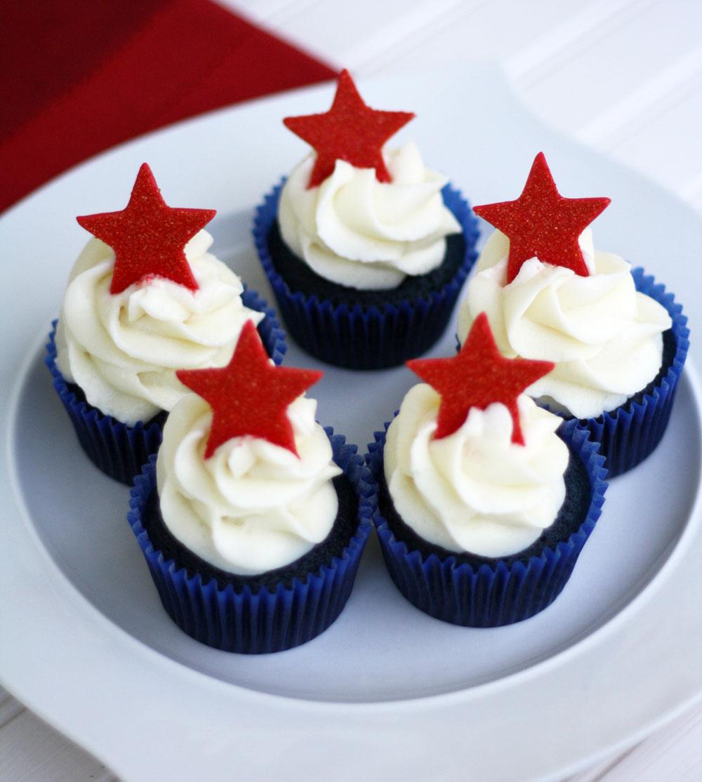 4th-of-July-Cupcake-Blue-Velvet4