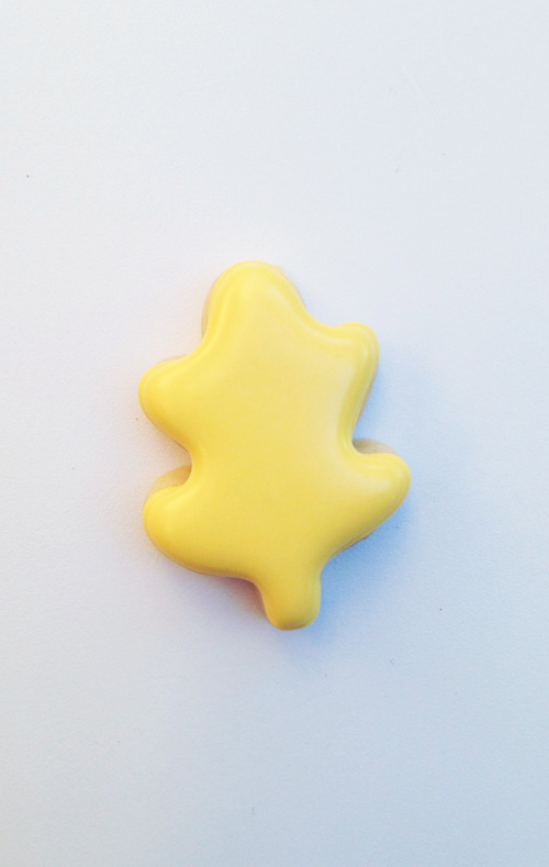 yellow_leaf_cookie_filled